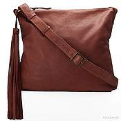 Soho. Кожаная орехово-шоколадная сумка с кисточкой