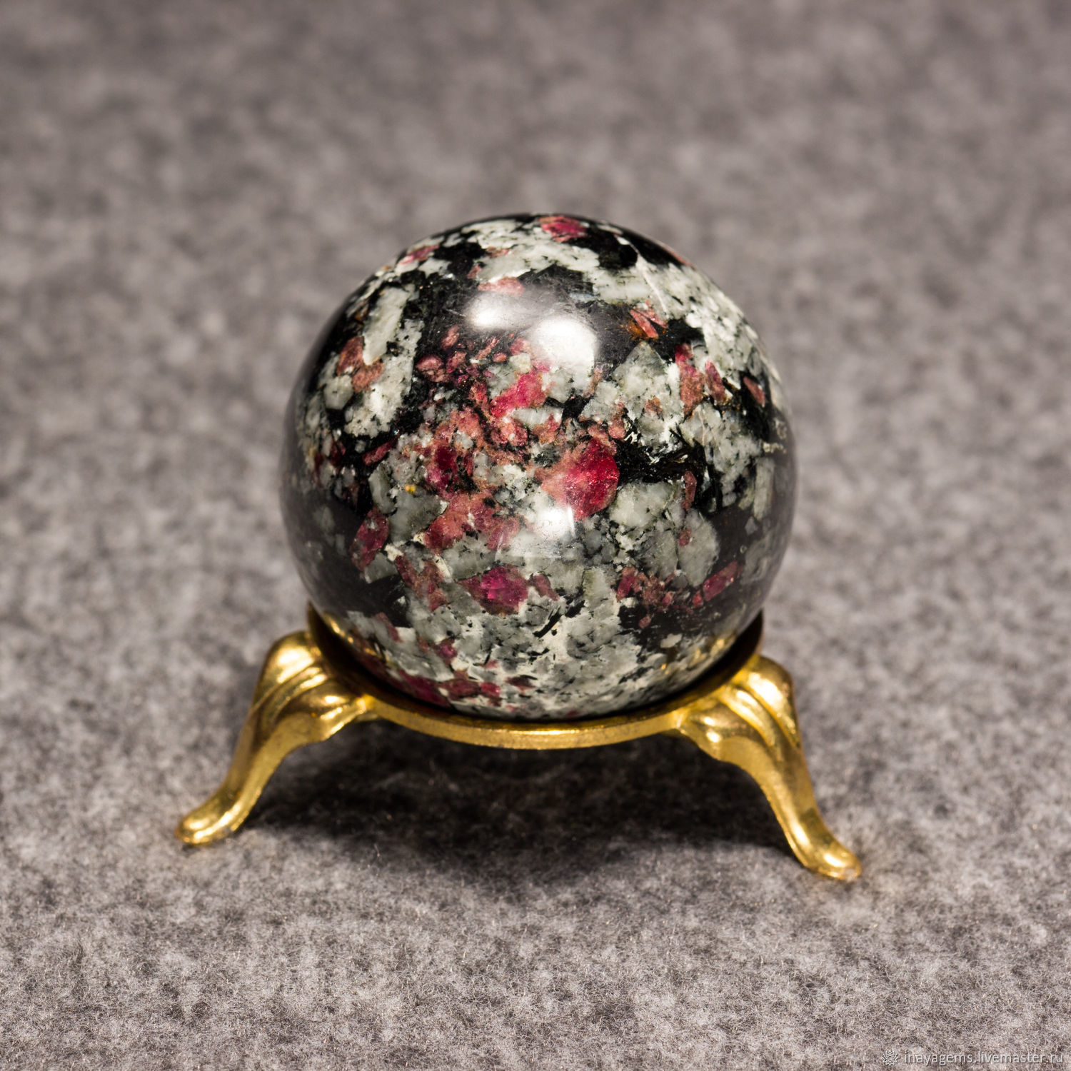 Ball eudialyte No. №1, eudialyte ball, Loparskaya blood, the blood of the Saami. ball, Fortune telling stones, St. Petersburg,  Фото №1