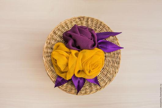 Колье, бусы ручной работы. Ярмарка Мастеров - ручная работа. Купить Колье-кулон из текстиля ткани «Охристый колибри» фиолетовый желтый. Handmade.