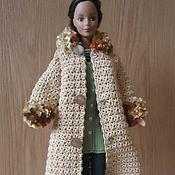 Куклы и игрушки ручной работы. Ярмарка Мастеров - ручная работа Бежевое пальто с капюшоном и шарф. Handmade.
