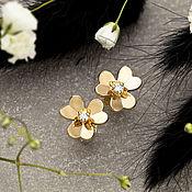 Украшения handmade. Livemaster - original item Earrings-ear-stud in the form of a flower with diamonds in yellow gold 585. Handmade.