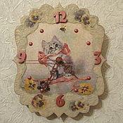 """Для дома и интерьера ручной работы. Ярмарка Мастеров - ручная работа """"Ты кто? Давай дружить!"""" - часы настенные. Handmade."""