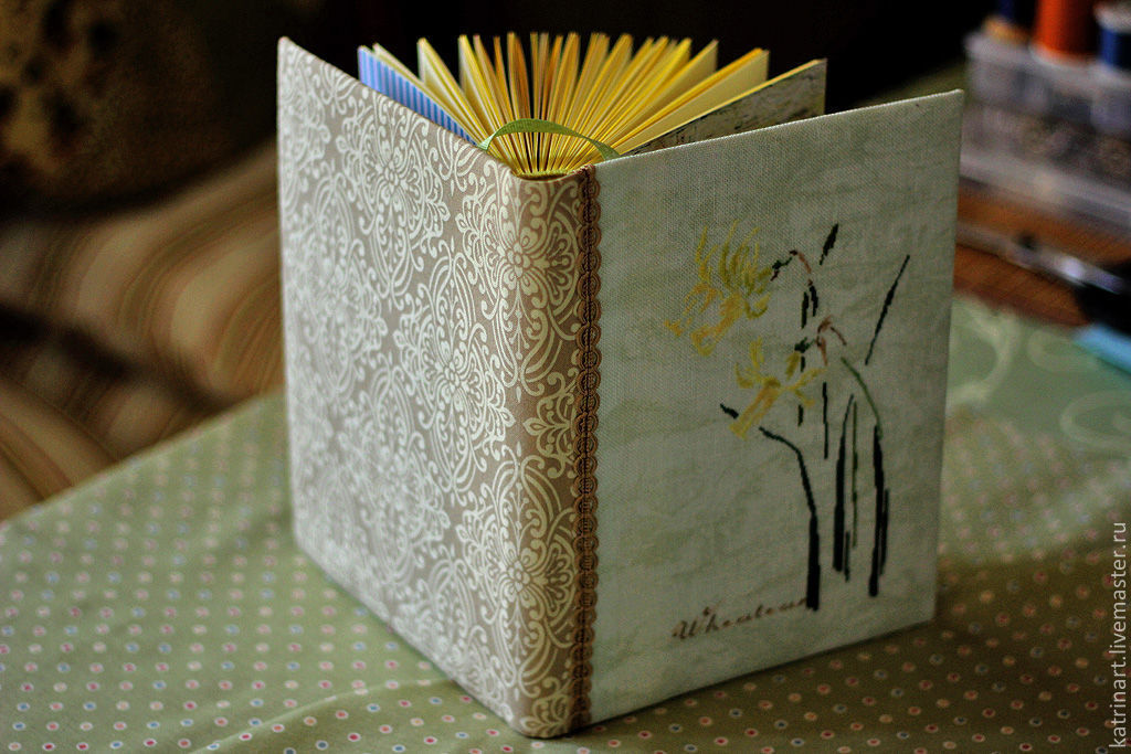 """Блокноты ручной работы. Ярмарка Мастеров - ручная работа. Купить Блокнот ручной работы """"Нарциссы"""". Handmade. Весна, пасхальный подарок"""