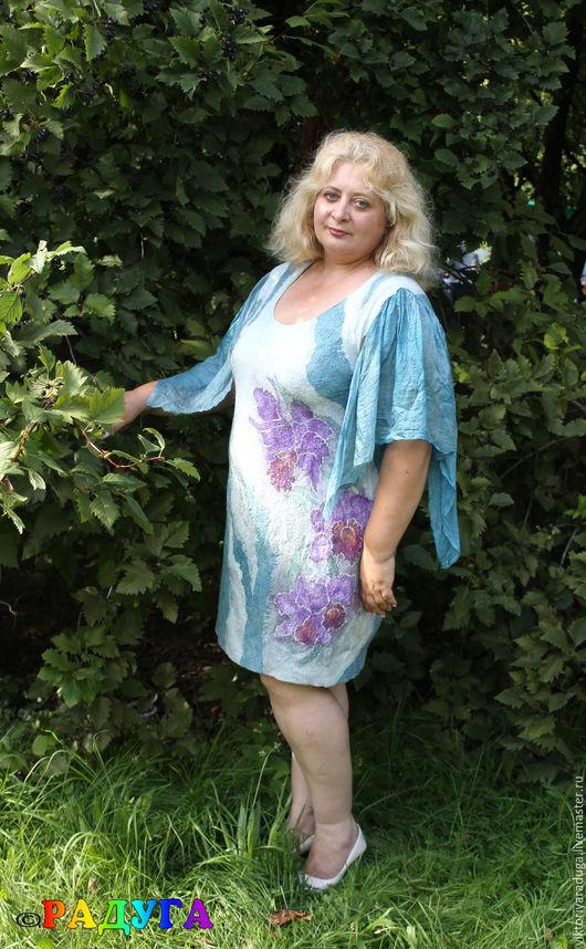 """Платья ручной работы. Ярмарка Мастеров - ручная работа. Купить Авторское платье """"Орхидеи"""" - батик и войлок. Handmade. Серо-голубой"""