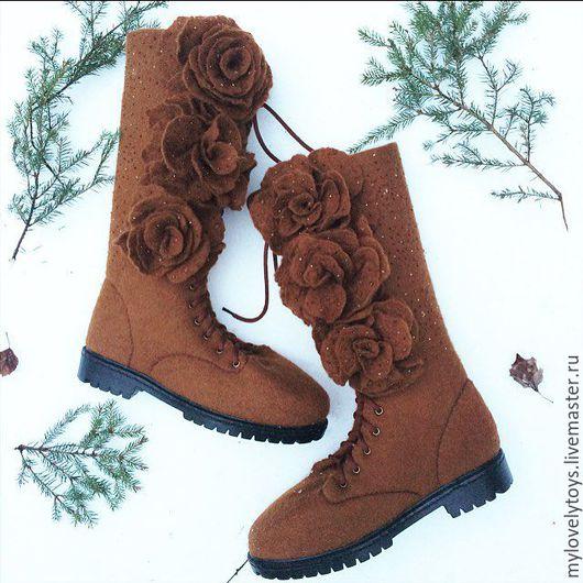 Обувь ручной работы. Ярмарка Мастеров - ручная работа. Купить Валяные сапоги с розами. Handmade. Сапоги женские, войлок