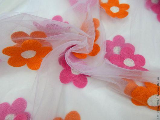 Шитье ручной работы. Ярмарка Мастеров - ручная работа. Купить Шитье на мягкой сетке. Розово-оранжевые цветы.. Handmade.
