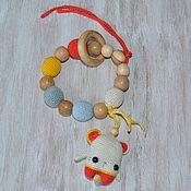 Грызунки, погремушки ручной работы. Ярмарка Мастеров - ручная работа Игрушка для малыша грызунок-прорезыватель с игрушкой. Handmade.