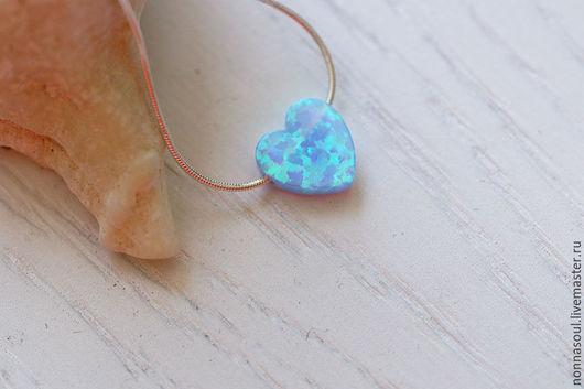 Кулоны, подвески ручной работы. Ярмарка Мастеров - ручная работа. Купить Позолоченная цепочка с голубым сердечком из опала. Handmade. Голубой
