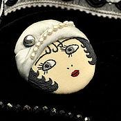 Украшения ручной работы. Ярмарка Мастеров - ручная работа Брошь Flapper Girl куколка брюнетка в серой шляпке / брошь лицо камея. Handmade.