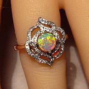 Золотое кольцо с опалом Австралии и бриллиантами
