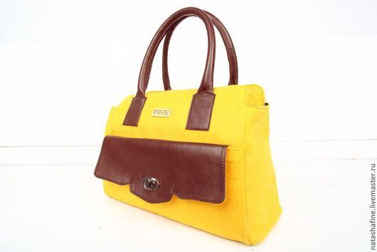 Жёлтая сумка из натуральной кожи и фетра