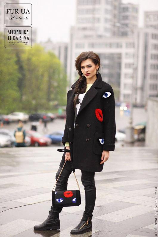 Верхняя одежда ручной работы. Ярмарка Мастеров - ручная работа. Купить Эксклюзивный комплект клатч вышитый бисером и пальто « lips ». Handmade.