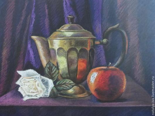 Картина пастелью. Натюрморт `Чайник с розой`. Картина в раме, стекло антиблик. Автор Наталья Ива.