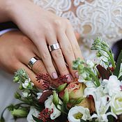 Свадебный салон ручной работы. Ярмарка Мастеров - ручная работа Широкие 9мм. обручальные кольца из белого золота с гравировкой. Handmade.