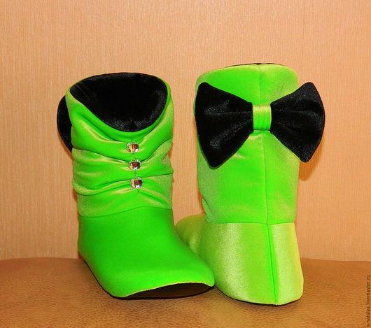 """Обувь ручной работы. Ярмарка Мастеров - ручная работа. Купить Домашние Сапожки """" Бантики"""" со стразами. Handmade."""