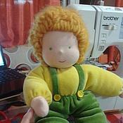 Куклы и игрушки ручной работы. Ярмарка Мастеров - ручная работа Вальдорфская кукла в пришивном комбинезоне. Handmade.