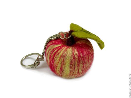 Брелоки ручной работы. Ярмарка Мастеров - ручная работа. Купить Брелок для ключей, сумки, телефона Яблоко желто-красное. Handmade.