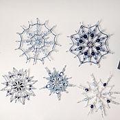"""Новогодние сувениры ручной работы. Ярмарка Мастеров - ручная работа Комплект """"Синий лед"""" из 5 снежинок. Handmade."""