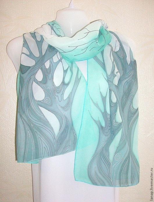 """""""Свежесть"""" очень  нежный  изысканный  шарф , замечательно  подчеркнет  загадочность  серых  глаз,  оттенит  зеленые."""