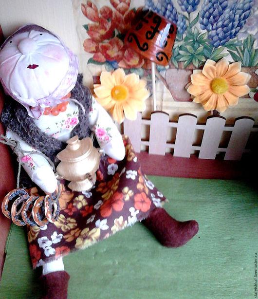 Народные куклы ручной работы. Ярмарка Мастеров - ручная работа. Купить Кукла Бабка с самоваром. Handmade. Кукла интерьерная, дерево