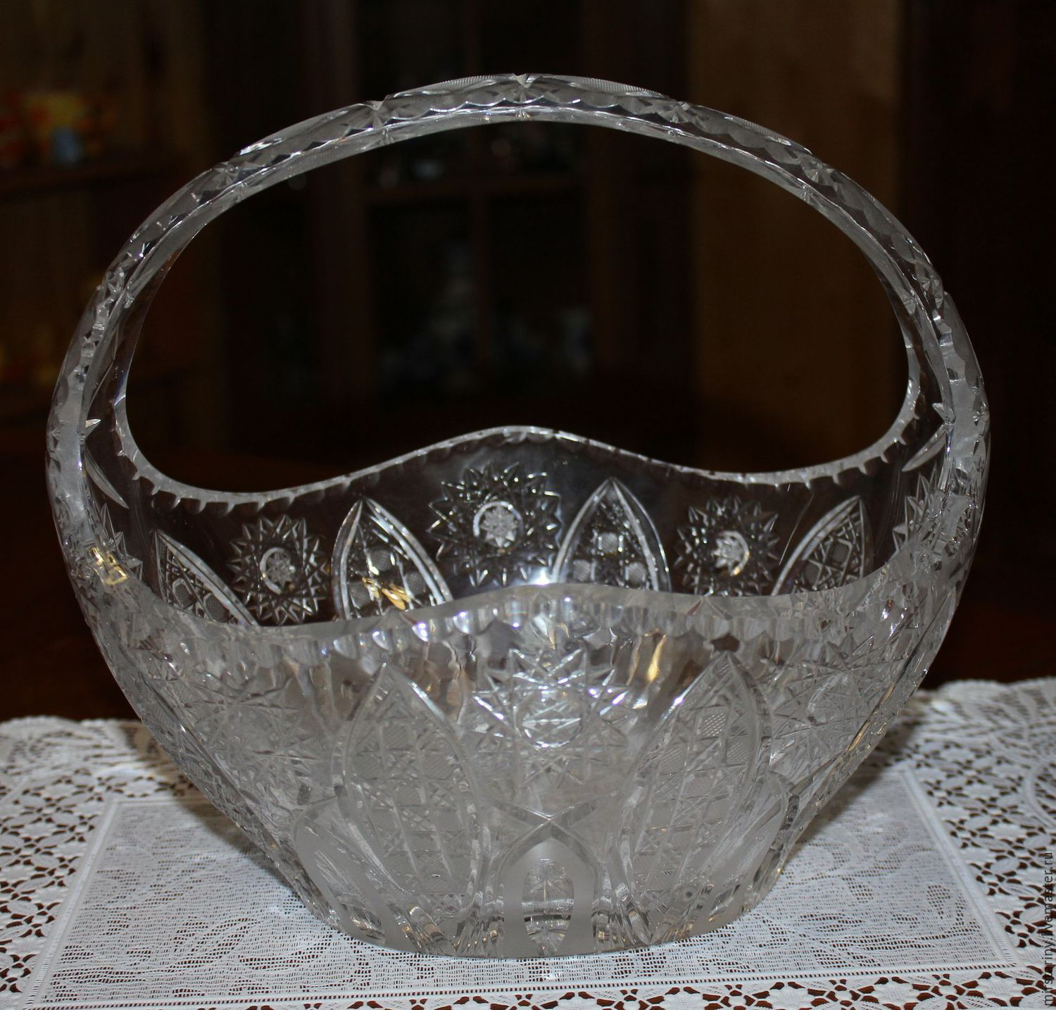 Large crystal vase 'Basket' Czechoslovakia in the 1970s, Vintage interior, Moscow,  Фото №1