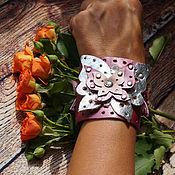 Украшения ручной работы. Ярмарка Мастеров - ручная работа Яркий кожаный браслет с бабочками. Handmade.