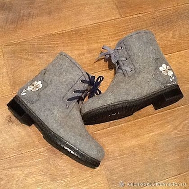 Footwear handmade. Livemaster - original item Felted boots with embroidery