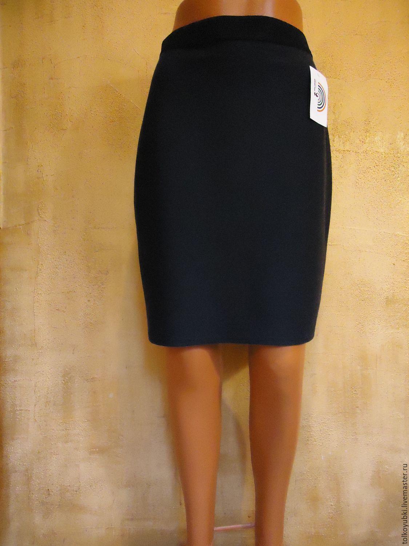 Темно-синяя трикотажная юбка