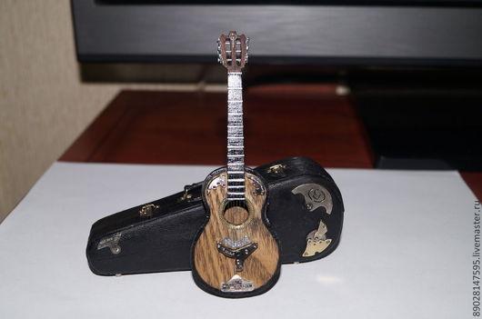 Миниатюрные модели ручной работы. Ярмарка Мастеров - ручная работа. Купить гитара. Handmade. Чёрно-белый, подарок на новый год, дерево