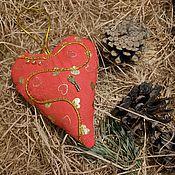 Подарки к праздникам ручной работы. Ярмарка Мастеров - ручная работа Мягкое сердечко на петельке №3. Handmade.