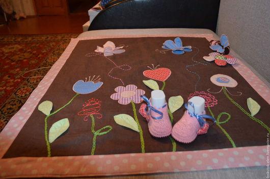 Для новорожденных, ручной работы. Ярмарка Мастеров - ручная работа. Купить Комплект детское одеялко + пинетки и погремушка. Handmade.