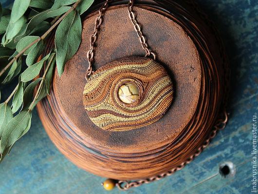 Кулон из полимерной глины с яшмой `Нотки корицы`, автор - Алина Логинова (украшения `Брусника`).