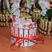 Цветы и флористика ручной работы. Ярмарка Мастеров - ручная работа Шоколадная корзинка. Handmade.