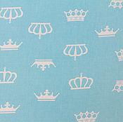 Материалы для творчества ручной работы. Ярмарка Мастеров - ручная работа Ткань Хлопок Короны на бирюзово-голубом. Handmade.
