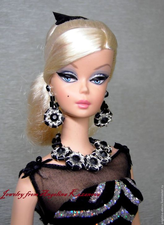 Комплект украшений для кукол `Magie Noire`  Автор Ангелина КАЗАНОВА
