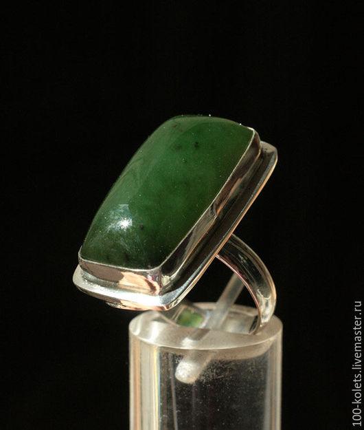 Кольца ручной работы. Ярмарка Мастеров - ручная работа. Купить Кольцо с нефритом. Handmade. Тёмно-зелёный, натуральные камни