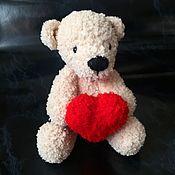 Мягкие игрушки ручной работы. Ярмарка Мастеров - ручная работа Мишка с сердцем. Handmade.