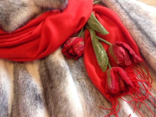 Броши ручной работы. Ярмарка Мастеров - ручная работа. Купить Букет валяных тюльпанов, брошь, украшение на сумку, на палантин. Handmade.