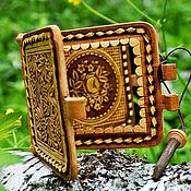 """Зеркала ручной работы. Ярмарка Мастеров - ручная работа Зеркальце из бересты карманное """"Рябина"""". Небольшой сувенир из бересты. Handmade."""