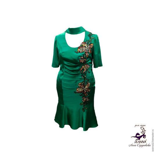 """Большие размеры ручной работы. Ярмарка Мастеров - ручная работа. Купить Роскошное шелковое платье с вышивкой """"Изумрудные Орхидеи"""" на Ваш разме. Handmade."""