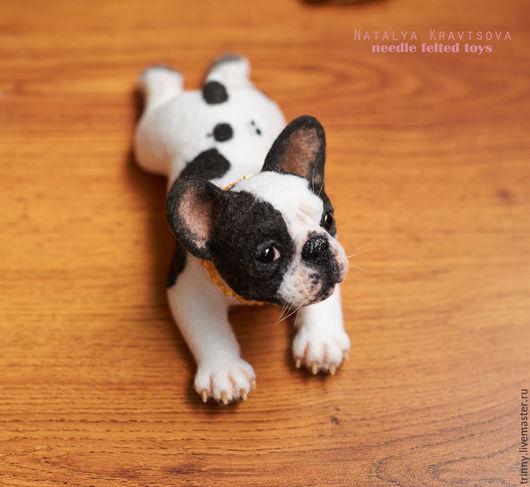 Валяная портретная игрушка-скульптура французский бульдог Коко