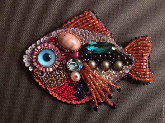 Броши ручной работы. Ярмарка Мастеров - ручная работа. Купить Брошка- рыбка. Handmade. Комбинированный, рыбка, бисер миюки (miyuki)