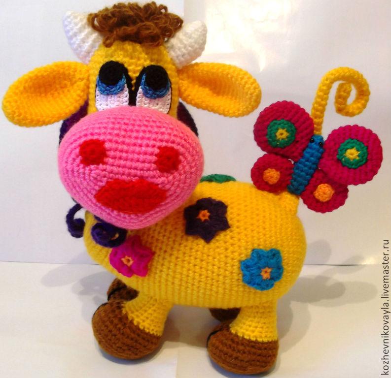 Игрушка корова вязаная крючком