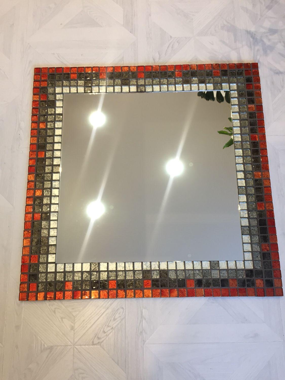 """Зеркало в мозаике """"Красно-черное"""""""