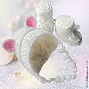 Работы для детей, handmade. Livemaster - original item Set for newborn booties and bonnet. Handmade.