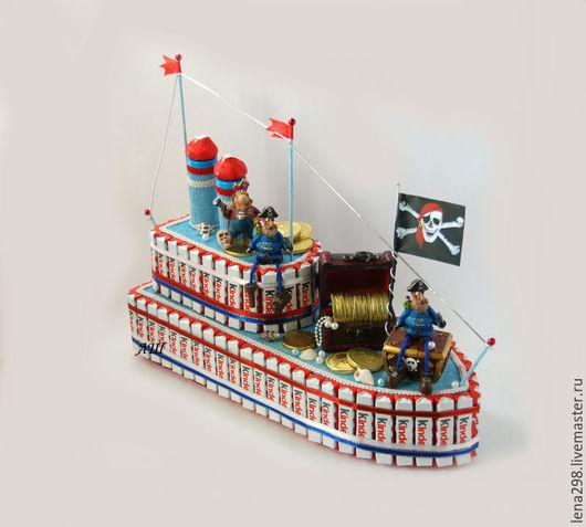 Букеты ручной работы. Ярмарка Мастеров - ручная работа. Купить Букет из конфет. Корабль из Киндер-шоколада.. Handmade. Киндер шоколад