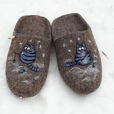 Обувь ручной работы. Ярмарка Мастеров - ручная работа Тапочки: котик на рыбалке. Handmade.