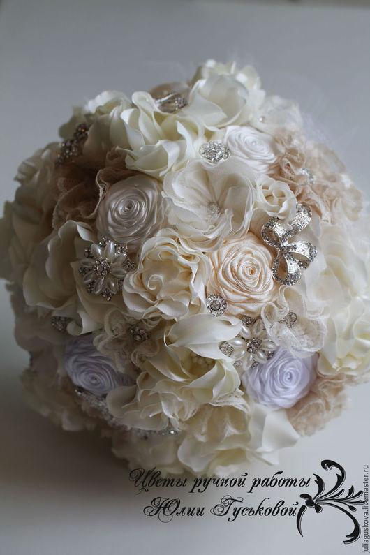 Свадебные цветы ручной работы. Ярмарка Мастеров - ручная работа. Купить Букет невесты. Handmade. Кремовый, стразы, цветы, кружево