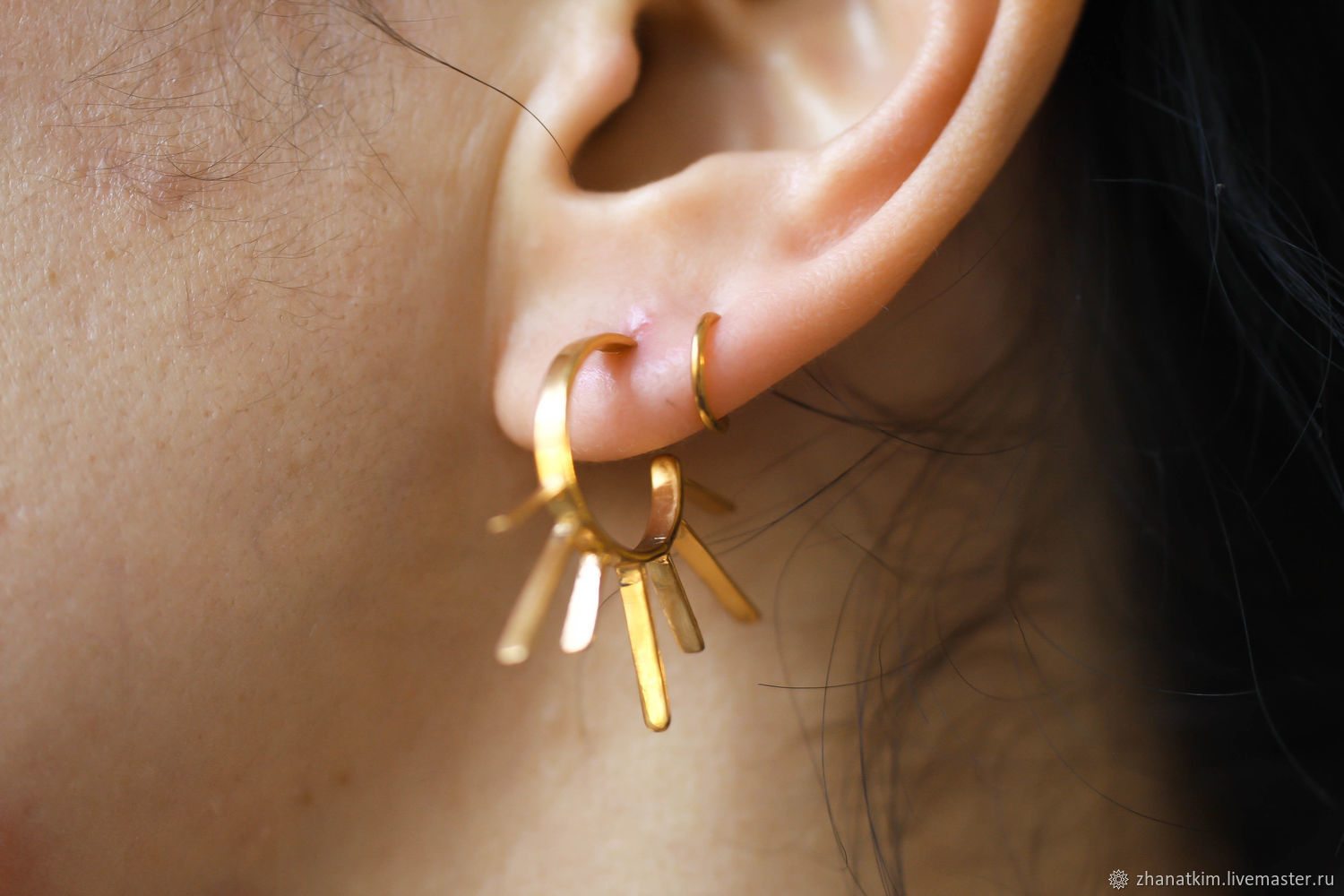 Statement hoop earrings–Stacking earrings-Gold twirl earrings, Earrings, Almaty,  Фото №1