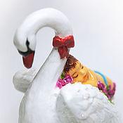 Подарки к праздникам ручной работы. Ярмарка Мастеров - ручная работа елочная игрушка из папье-маше, на прищепке, фигурка Лебедь. Handmade.